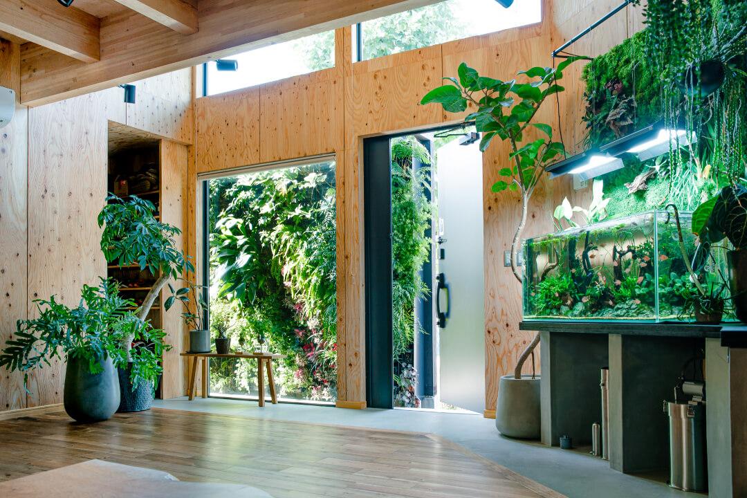 GARDENERS HOUSE IMAGE 1